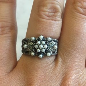Pearl & Silver Costume Ring, Size 8